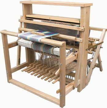 leclerc artisat loom with back hinged treadles